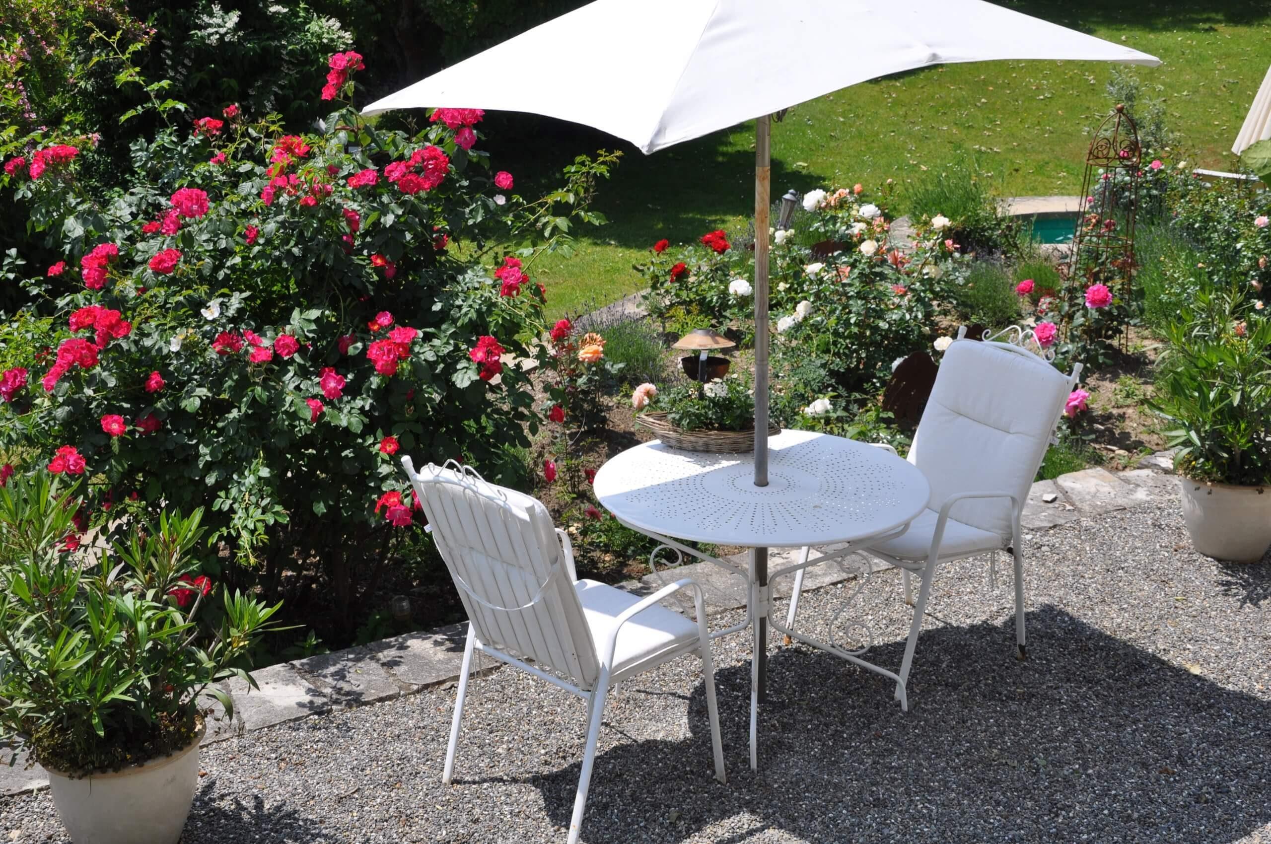 die Villa Terrasse 2er Tisch