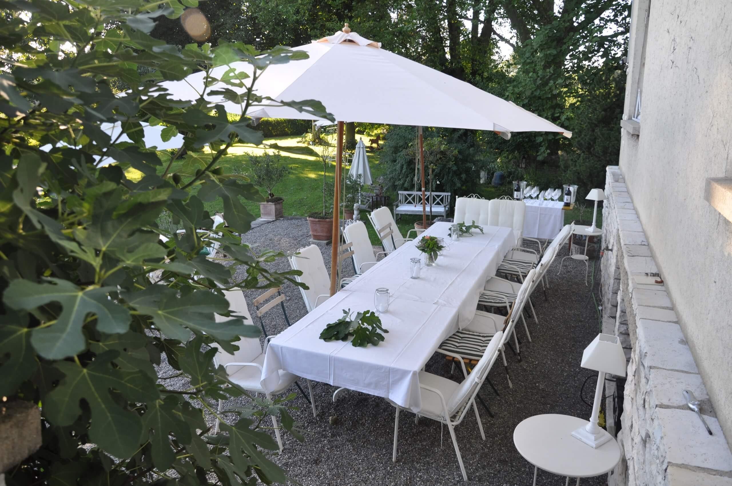 die Villa Terrasse Abendessen